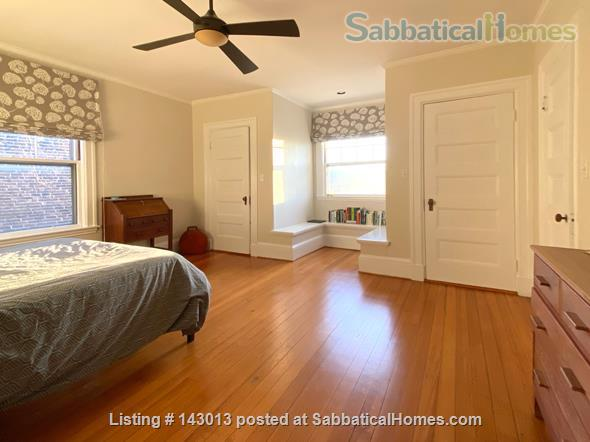 Lovely 4+ BR family home in Brookline; Close to BC, BU, Longwood Medical and easy trip to Harvard, MIT Home Rental in Brookline, Massachusetts, United States 5