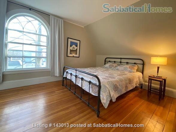 Lovely 4+ BR family home in Brookline; Close to BC, BU, Longwood Medical and easy trip to Harvard, MIT Home Rental in Brookline, Massachusetts, United States 6