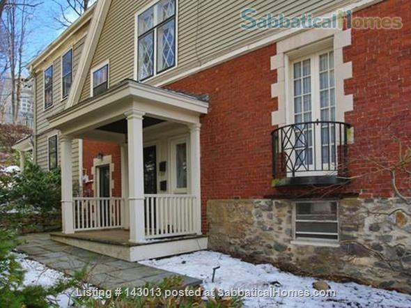 Lovely 4+ BR family home in Brookline; Close to BC, BU, Longwood Medical and easy trip to Harvard, MIT Home Rental in Brookline, Massachusetts, United States 8