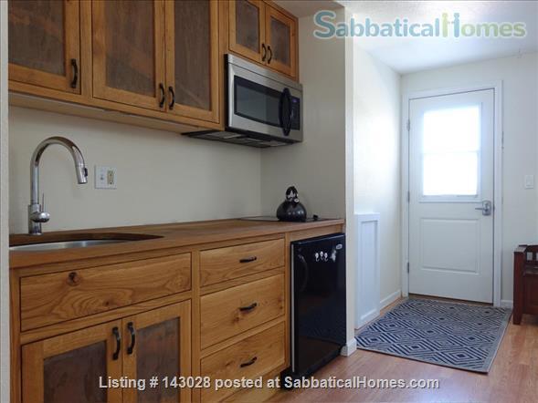 Bi-level House 1BR, 1BA, next to hiking trails Home Rental in Boulder, Colorado, United States 0
