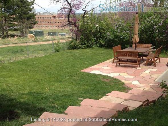 Bi-level House 1BR, 1BA, next to hiking trails Home Rental in Boulder, Colorado, United States 8