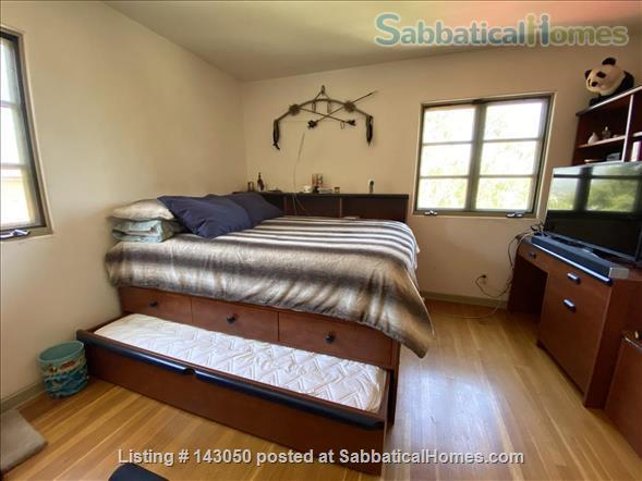 Warm casita in Silverlake/Los Angeles. 3 bd, 2+ bth. Quiet, yet close to everything. Home Exchange in Los Angeles, California, United States 5