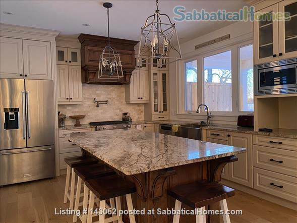 Waterfront Custom Built Home 10 Mins to Downtown Kingston Home Rental in Kingston, Ontario, Canada 5