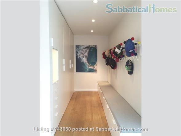 4 bed modern home in North Vancouver Home Rental in North Vancouver, British Columbia, Canada 0