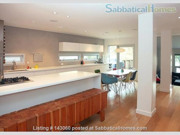4 bed modern home in North Vancouver Home Rental in North Vancouver, British Columbia, Canada 2