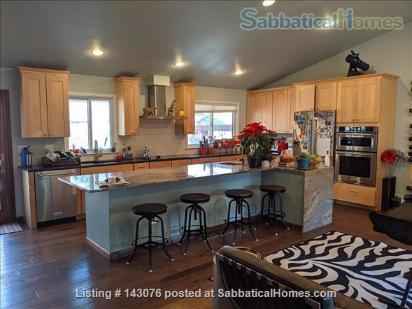 Desirable Parkwood East, all comforts, bike to CSU! Home Rental in Fort Collins, Colorado, United States 2