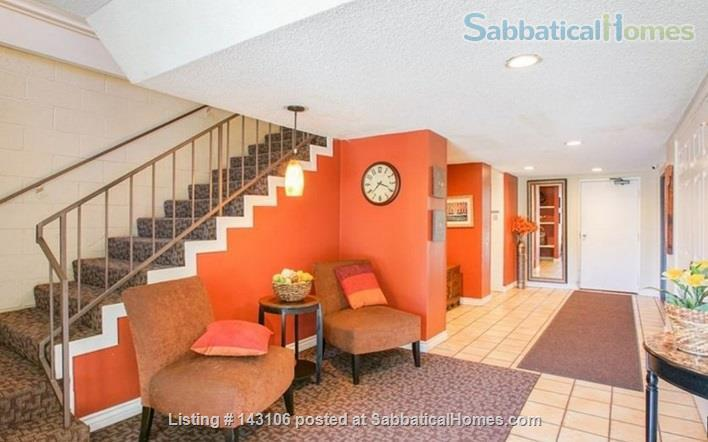 Gorgeous townhouse: central location, quiet, near park, public transport Home Rental in Los Angeles, California, United States 9