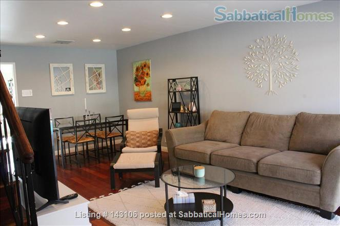 Gorgeous townhouse: central location, quiet, near park, public transport Home Rental in Los Angeles, California, United States 0