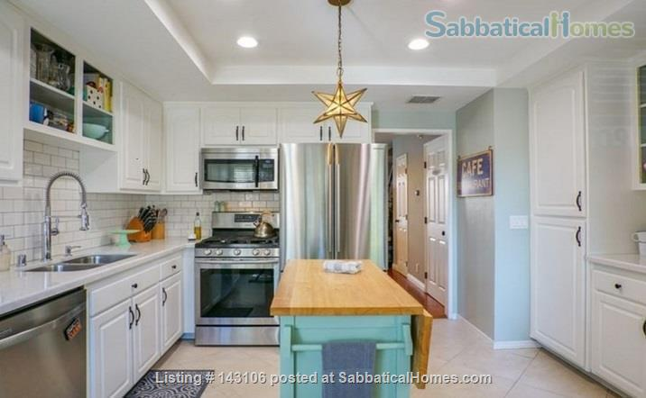 Gorgeous townhouse: central location, quiet, near park, public transport Home Rental in Los Angeles, California, United States 3