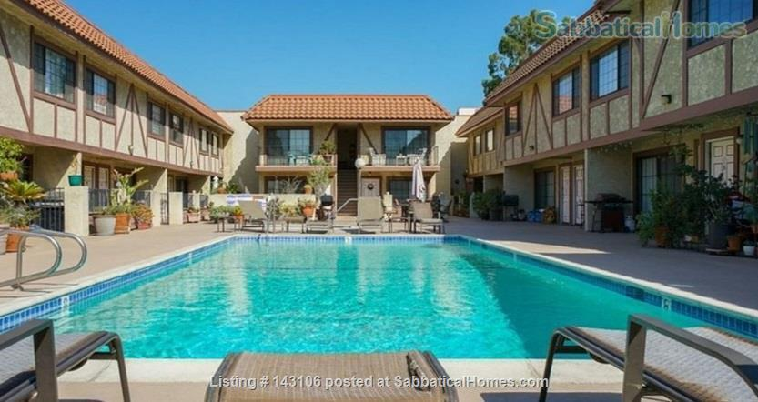 Gorgeous townhouse: central location, quiet, near park, public transport Home Rental in Los Angeles, California, United States 8