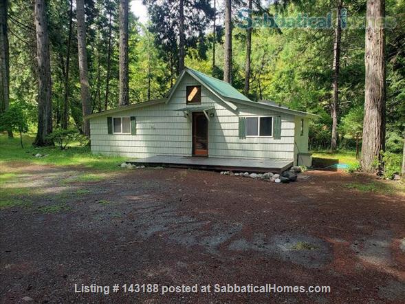 Blissful Solitude - Sweet Cottage - Writer's Retreat, Fantastic Photography, Wine Tasters Weekend Home Rental in Azalea, Oregon, United States 9