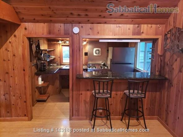 Blissful Solitude - Sweet Cottage - Writer's Retreat, Fantastic Photography, Wine Tasters Weekend Home Rental in Azalea, Oregon, United States 3