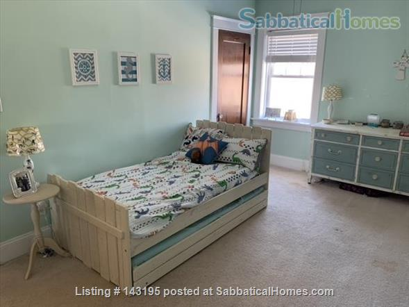 Family Friendly Home Walking Distance to Wash U. Home Rental in St Louis, Missouri, United States 7