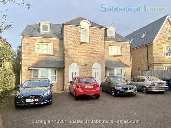 2 bedroom apartment in Cambridge  on Cambridge Road Home Rental in Great Shelford, England, United Kingdom 1
