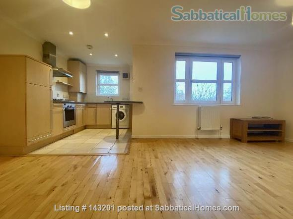 2 bedroom apartment in Cambridge  on Cambridge Road Home Rental in Great Shelford, England, United Kingdom 0