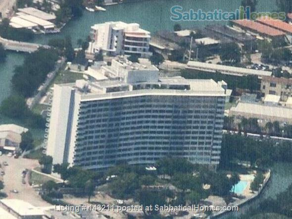 2 Bedrooms Flat in Miami 100 m2 Park View Island Home Rental in Miami Beach, Florida, United States 1