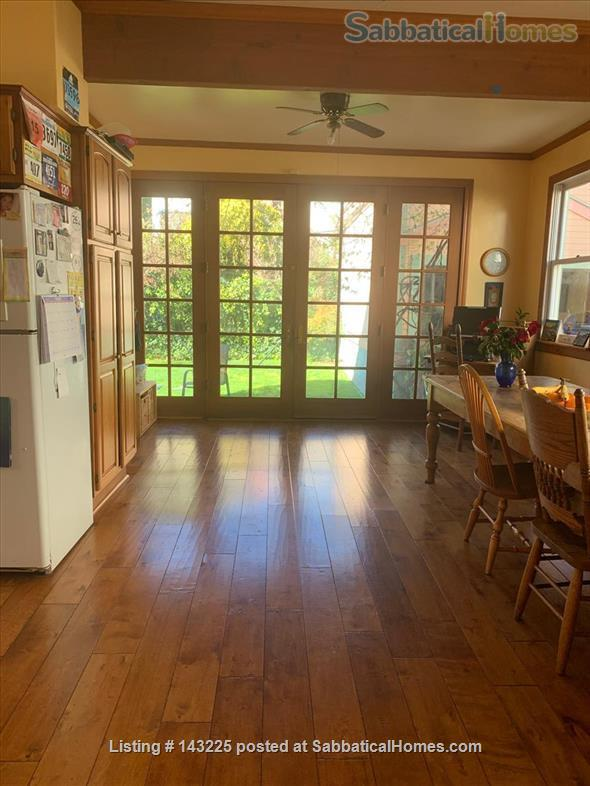 Sunny family home in great neighborhood 1 mile from UC Berkeley Home Exchange in Oakland, California, United States 1