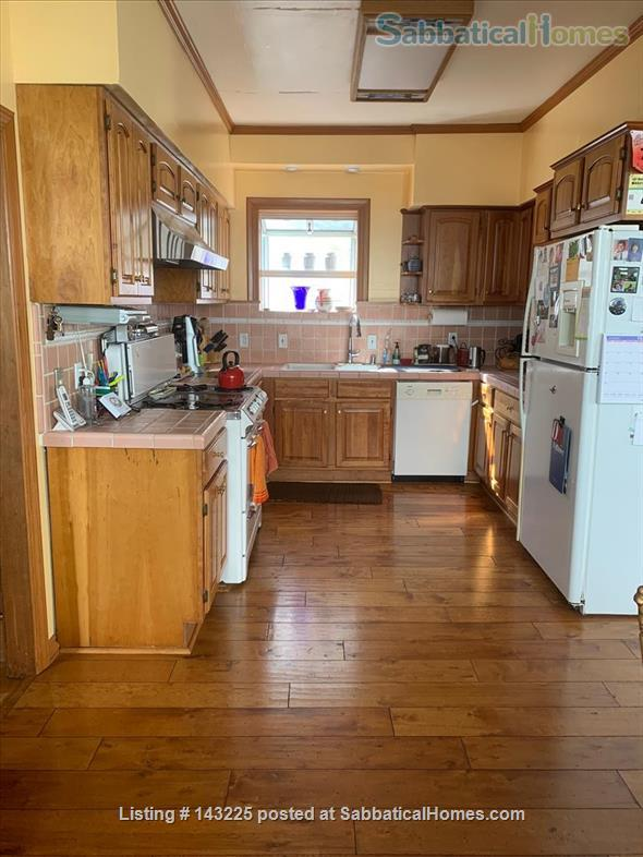 Sunny family home in great neighborhood 1 mile from UC Berkeley Home Rental in Oakland, California, United States 2