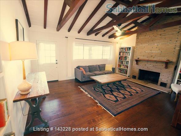 Spanish-style Home with Yard Home Rental in Burbank, California, United States 1