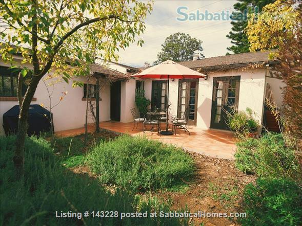 Spanish-style Home with Yard Home Rental in Burbank, California, United States 5