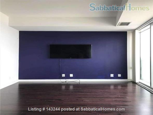 Sunny 1 +1BD with Spectacular Views; $1900/mo Home Rental in Toronto, Ontario, Canada 2