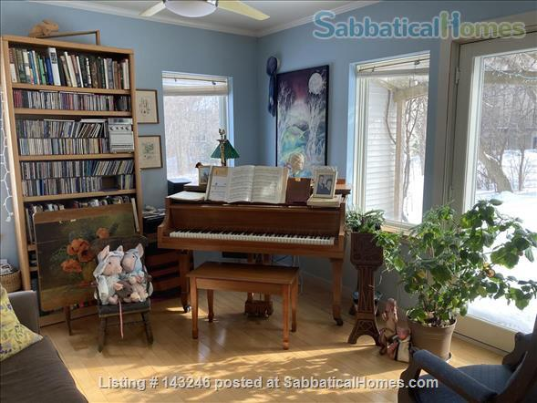 Sunny 3 bedroom end townhouse in intentional community Home Rental in Burlington 1