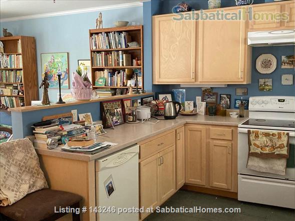 Sunny 3 bedroom end townhouse in intentional community Home Rental in Burlington 4