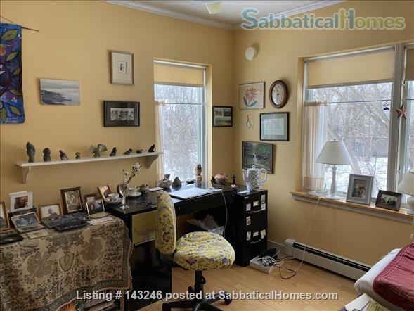 Sunny 3 bedroom end townhouse in intentional community Home Rental in Burlington 6