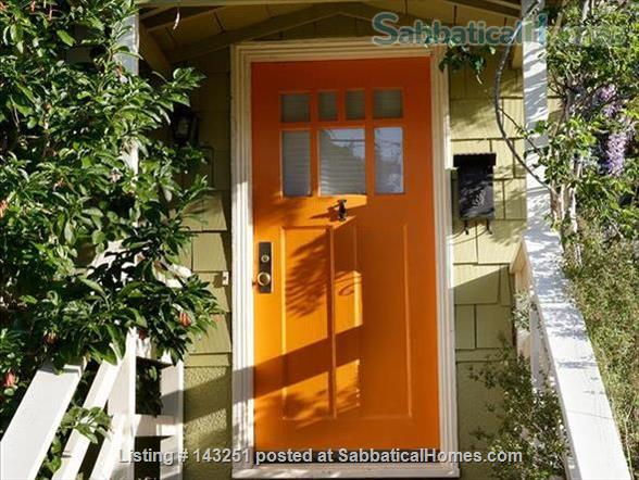 Twin Redwood House Home Rental in Berkeley, California, United States 1