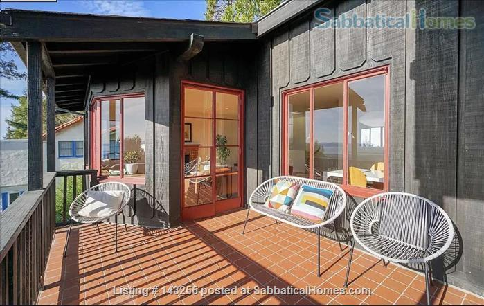 Beautiful light-filled house with Bay views near Rose Garden, walkable to UCB, North Berkeley restaurants, cafés, stores, farmers market Home Rental in Berkeley, California, United States 0