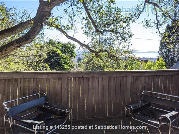 Beautiful light-filled house with Bay views near Rose Garden, walkable to UCB, North Berkeley restaurants, cafés, stores, farmers market Home Rental in Berkeley, California, United States 8