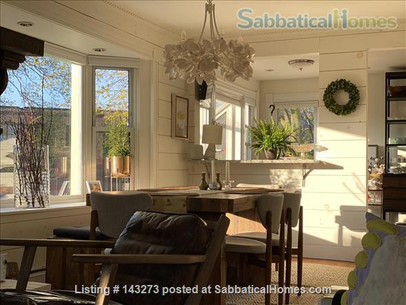 FULLY FURNISHED, SUN-DRENCHED 3 BED / 2 BATH HOME NEAR HARVARD, TUFTS, & LESLEY, with ROOFTOP DECK HAVEN Home Rental in Cambridge, Massachusetts, United States 1