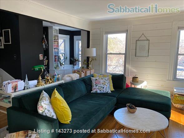 FULLY FURNISHED, SUN-DRENCHED 3 BED / 2 BATH HOME NEAR HARVARD, TUFTS, & LESLEY, with ROOFTOP DECK HAVEN Home Rental in Cambridge, Massachusetts, United States 4