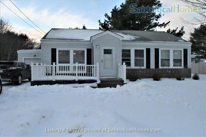 Cozy Home Near Bowdoin College Home Rental in Brunswick, Maine, United States 4