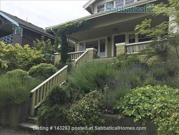 Beautiful Seattle  Bungalow with garden in U-District Home Rental in Seattle, Washington, United States 1