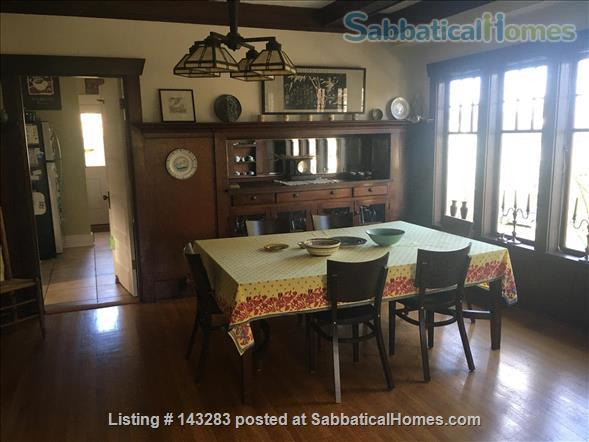 Beautiful Seattle  Bungalow with garden in U-District Home Rental in Seattle, Washington, United States 2