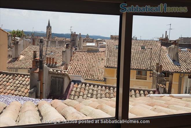 Beautiful duplex with terrace / Historical Center Home Rental in Aix-en-Provence, Provence-Alpes-Côte d'Azur, France 8