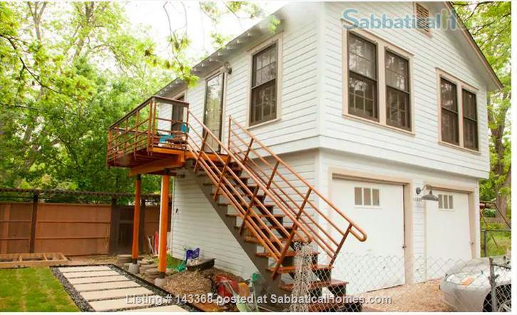 """Apartment in the Trees"" close to UT, Dell and Seton Medical  Home Rental in Austin, Texas, United States 1"