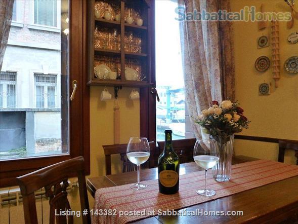 Ca' Venexiana, quiet 2 bedroom with private canalside courtyard ~ no extra fees Home Rental in Venezia, Veneto, Italy 7