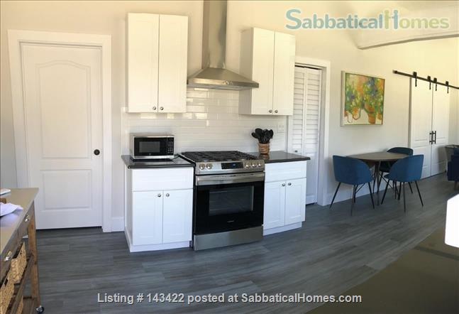 Private cottage in the heart of Denton! Home Rental in Denton, Texas, United States 1