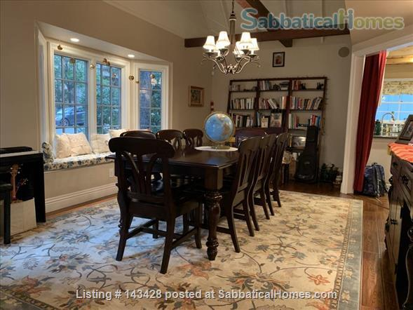 Spacious traditional cottage in gorgeous mountain area, close to hiking, biking, easy drive to all LA has to offer (downtown, beach) Home Rental in La Cañada Flintridge, California, United States 0