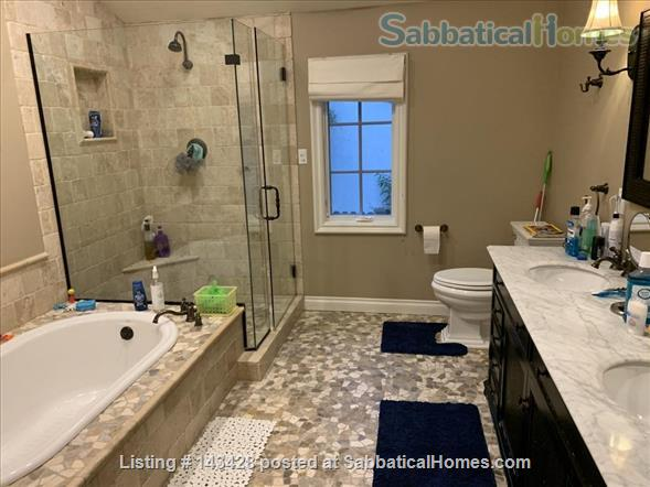 Spacious traditional cottage in gorgeous mountain area, close to hiking, biking, easy drive to all LA has to offer (downtown, beach) Home Rental in La Cañada Flintridge, California, United States 3