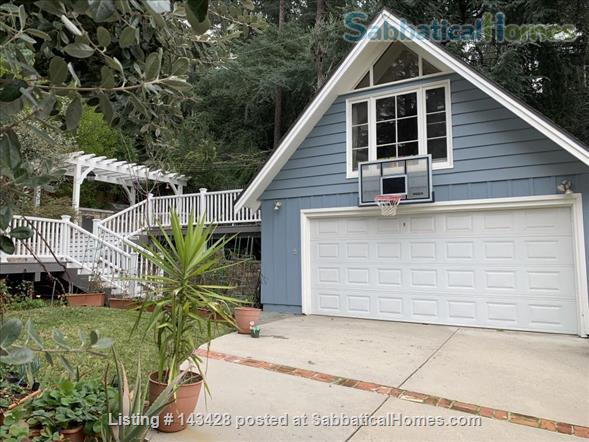 Spacious traditional cottage in gorgeous mountain area, close to hiking, biking, easy drive to all LA has to offer (downtown, beach) Home Rental in La Cañada Flintridge, California, United States 4