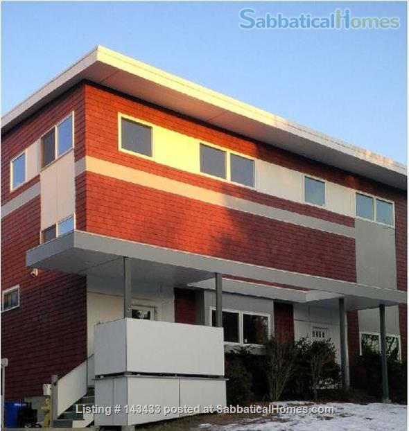 Just south of Boston, LARGE Modern, mid-Century Modern Spectacular Views! Home Rental in Quincy, Massachusetts, United States 0