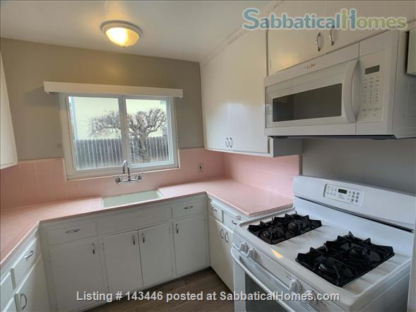 Close to Stanford and Very Cute - 1 bedroom / 1 bath - Sunny Backyard Home Rental in Menlo Park, California, United States 9