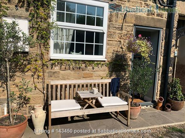 Peaceful Terrace Cottage for Rent Home Rental in Old Whittington, England, United Kingdom 1