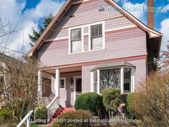 Inner SE Portland Classic Victorian  Home Rental in Portland, Oregon, United States 1