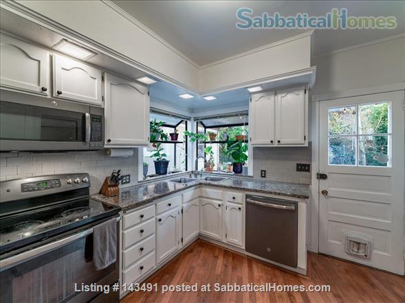 Inner SE Portland Classic Victorian  Home Rental in Portland, Oregon, United States 5