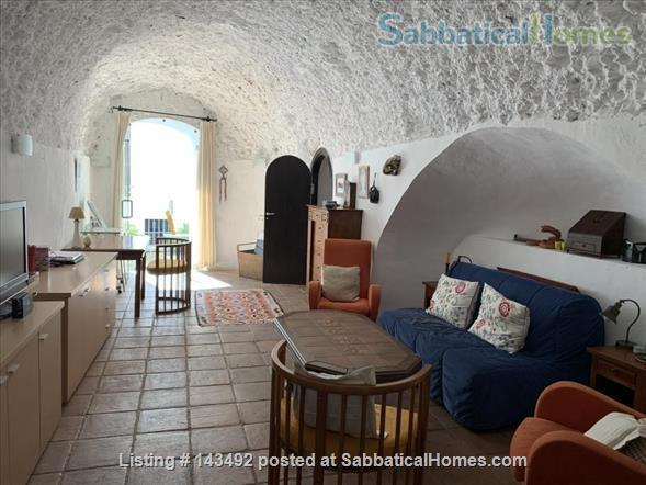 4 bedroom lovely and spacious house in the Albaicin with wiews  and a cave Home Rental in Granada, Andalucía, Spain 4