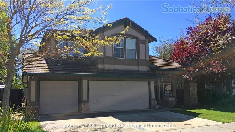 Beautiful 4 bedroom, 2 1/2 bath house with a garden, play structure, furnished  Home Rental in Davis, California, United States 3